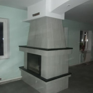 Кирпичный двух.сторонний камин отделка керам.плитка